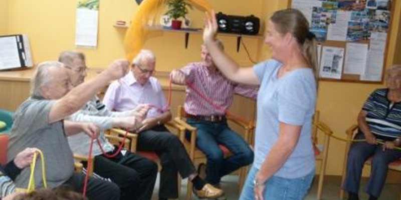 Senioren Singen und Bewegung